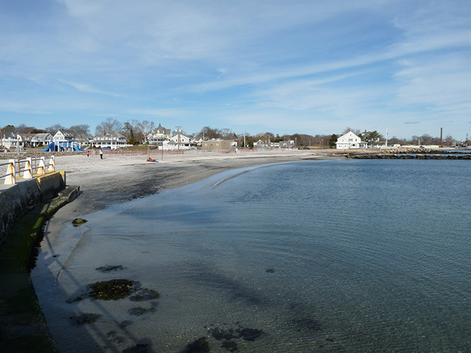 Around 15 Minutes From Mystic Connecticut There Is A Little Beach At Eastern Point In Groton On The Mouth Of Thames River